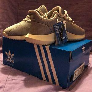 NEW W/ BOX Adidas Women's size 8 tubular shadow W